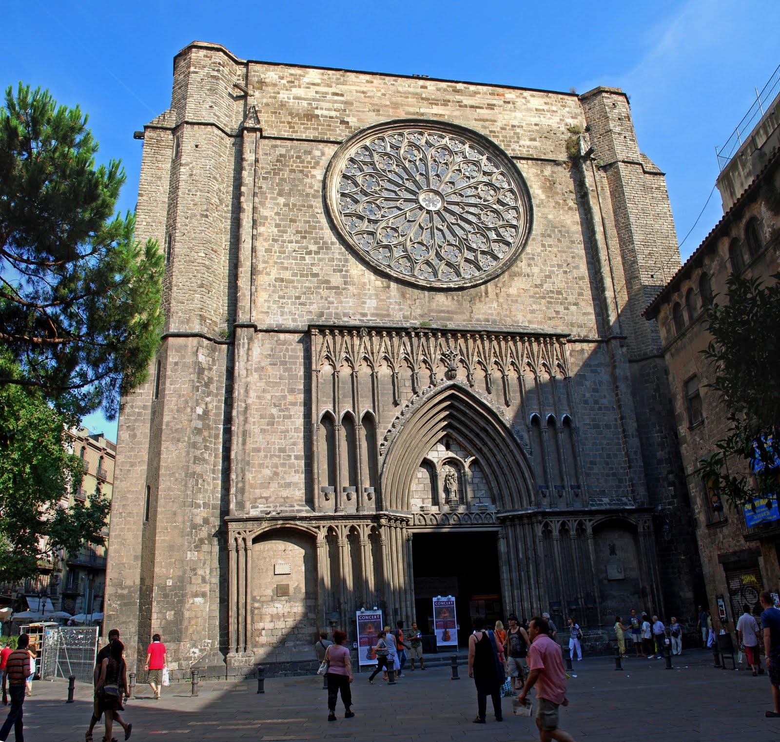 Tour a piedi del quartiere Gotico di Barcellona, l'ombrello italiano