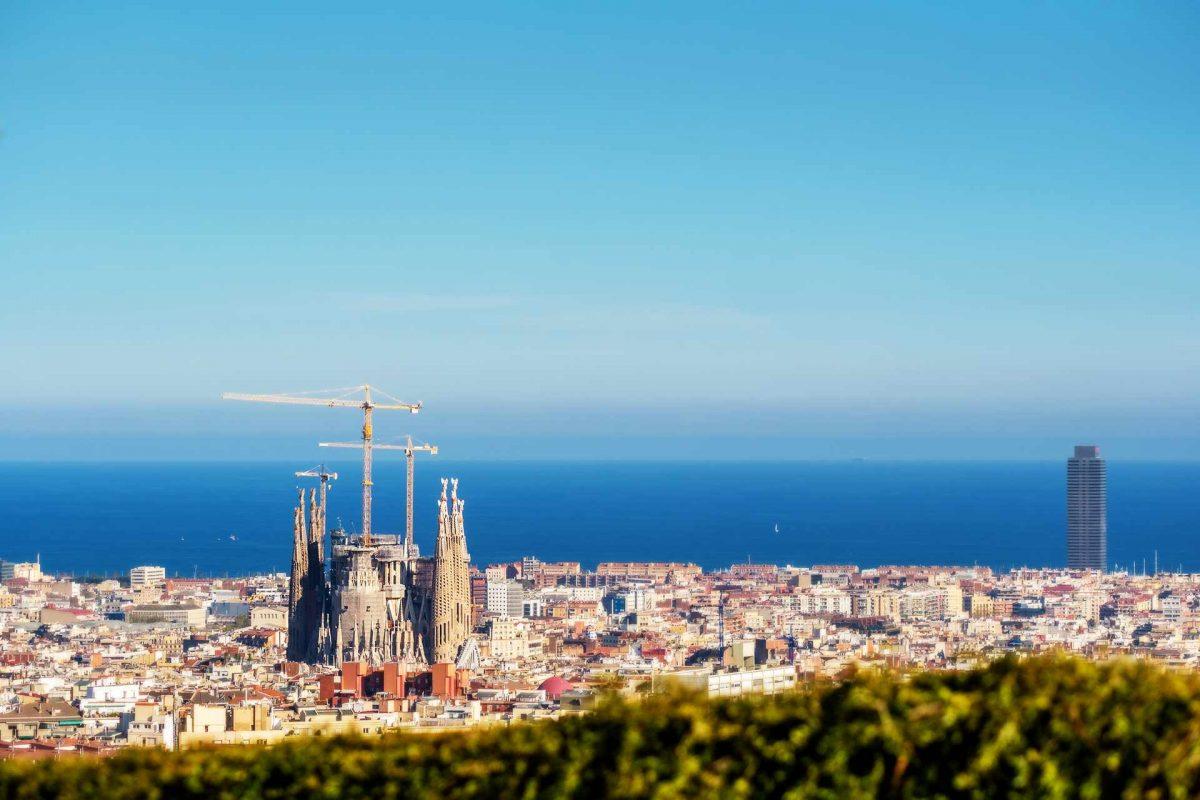 Visitare Barcellona con un budget ridotto, l'ombrello italiano