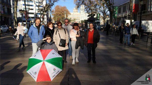 Free tour del quartiere Gotico di Barcellona, l'ombrello italiano