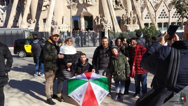 Visita guidata della Sagrada Famiglia e Gaudì a Barcellona, l'ombrello italiano